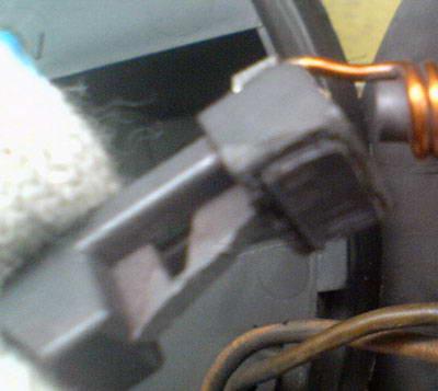 Замена щеток электродвигателя вентилятора печки